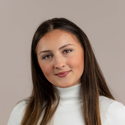 Andréa FERREIRA rejoint l'équipe de CAD Equipement à Paris.